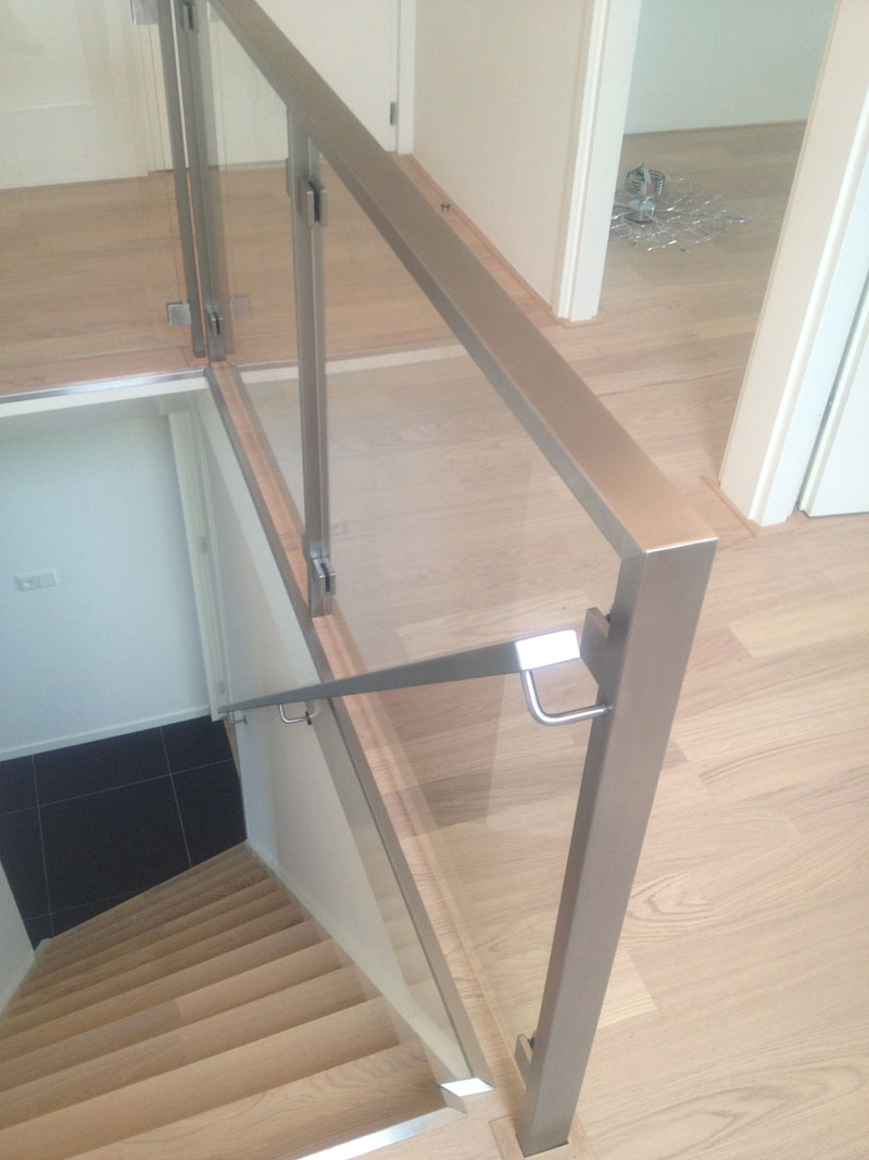 Rvs balustrade woonhuis austerlitz proglass - Balustrade trap ...